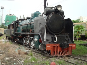 950 idle at the yard of the Thon Buri shed and workshop on June 21st 2010