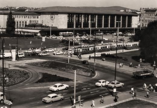 Austria - Wien Westbahnhof timelapse 2